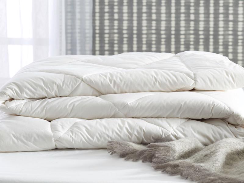 Одеяла и пледы для сна